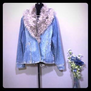 Paris Blues Women's Faux Collar Denim Jacket